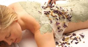 массаж по грязи на горячем мраморе